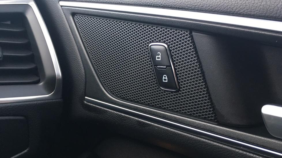 Ford S-MAX 2.0 TDCi 150 Titanium [Nav] 5dr image 22
