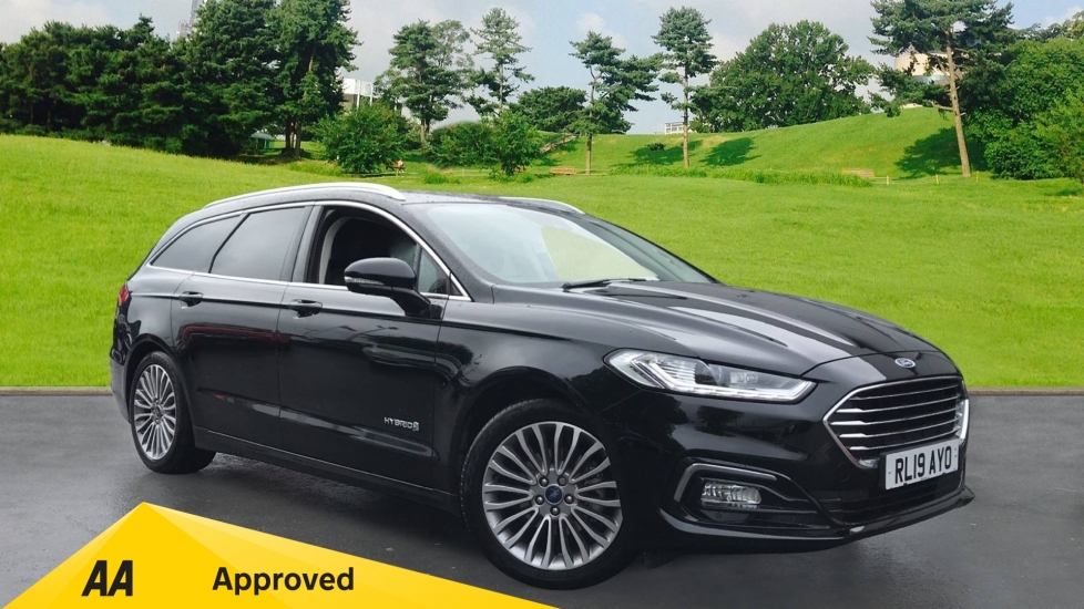 Ford Mondeo 2.0 Hybrid Titanium Edition 5dr, Navigation, Leather Seats. Petrol/Electric Automatic Estate (2019) image