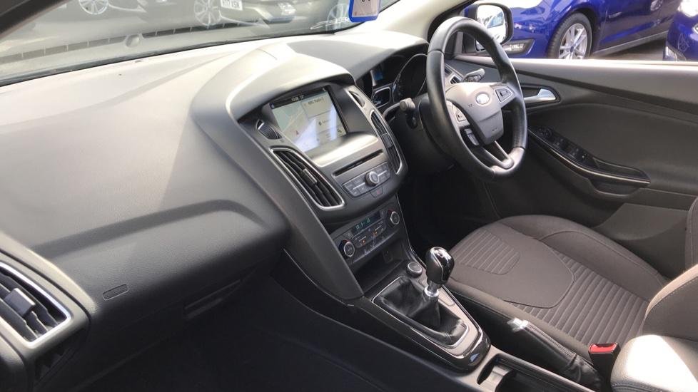 Ford Focus 1.0 EcoBoost 125ps Titanium 5dr image 13