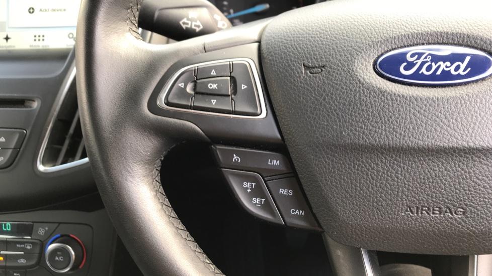 Ford Focus 1.0 EcoBoost 125ps Titanium 5dr image 18