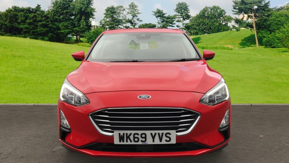 Ford Focus 1.0 EcoBoost 125ps Titanium 5dr image 2 thumbnail