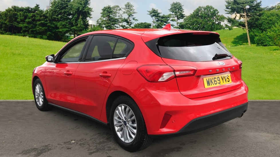 Ford Focus 1.0 EcoBoost 125ps Titanium 5dr image 7 thumbnail