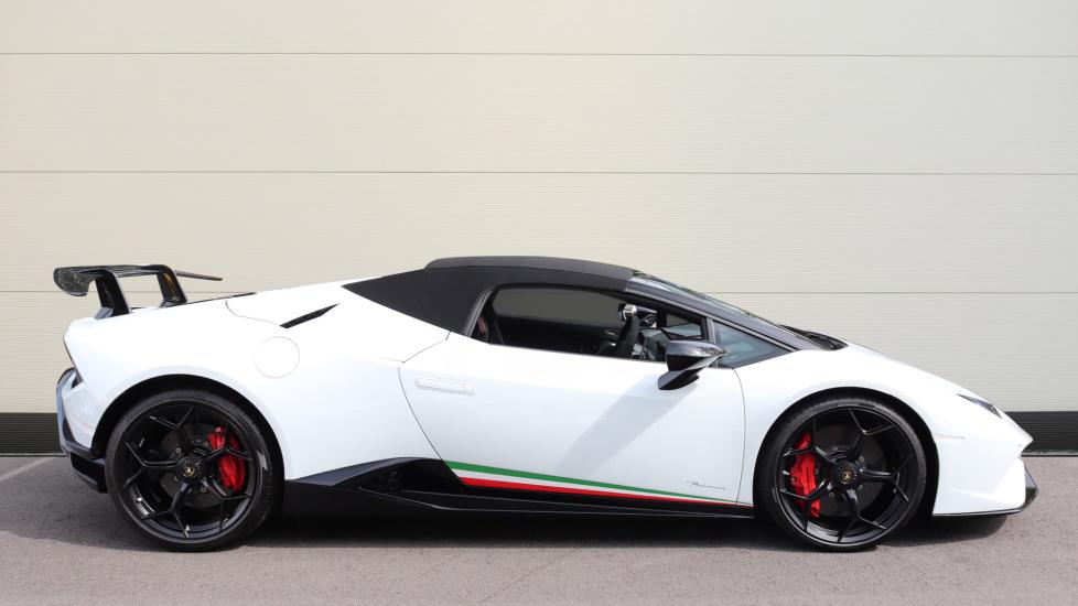 Lamborghini Huracan Performante Spyder 5.2 V10 640 2dr Auto AWD image 20
