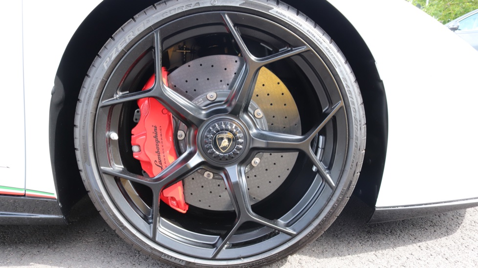 Lamborghini Huracan Performante Spyder 5.2 V10 640 2dr Auto AWD image 7