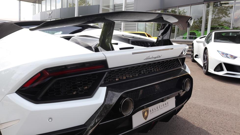 Lamborghini Huracan Performante Spyder 5.2 V10 640 2dr Auto AWD image 19