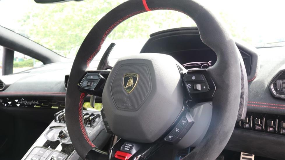 Lamborghini Huracan Performante Spyder 5.2 V10 640 2dr Auto AWD image 11