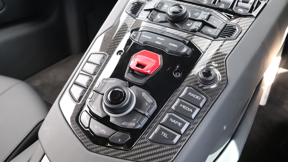 Lamborghini Aventador S Coupe LP 740-4 S 2dr ISR image 9