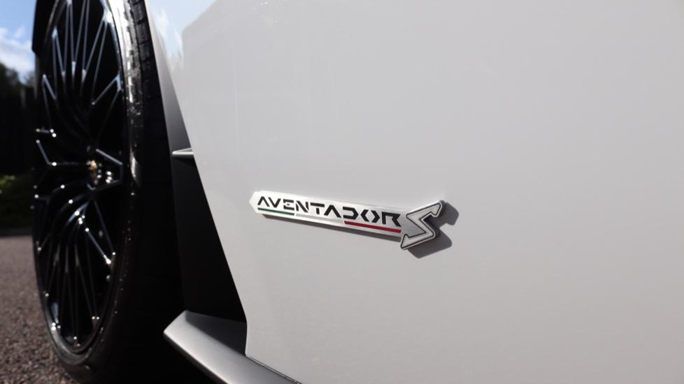 Lamborghini Aventador S Coupe LP 740-4 S 2dr ISR image 19