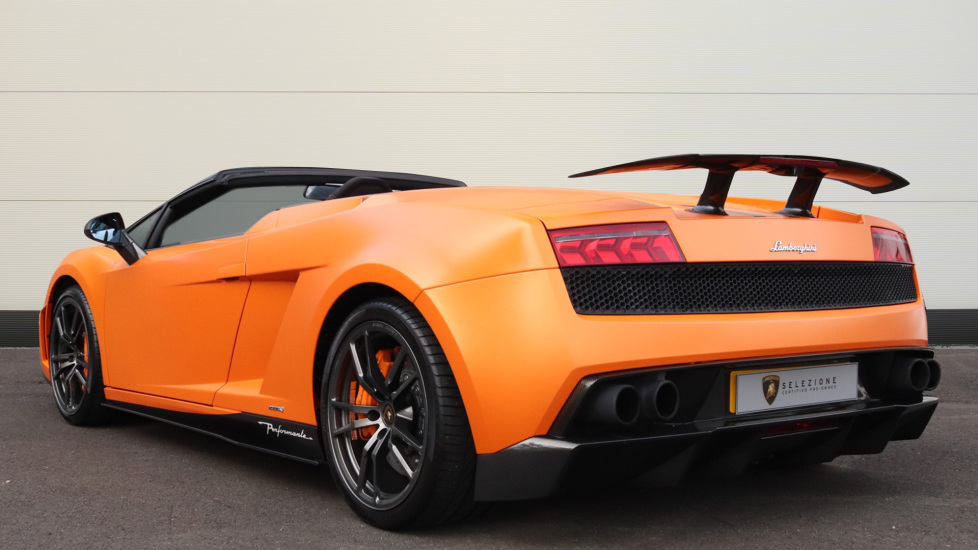 Lamborghini Gallardo LP570-4 Spyder Performante image 2