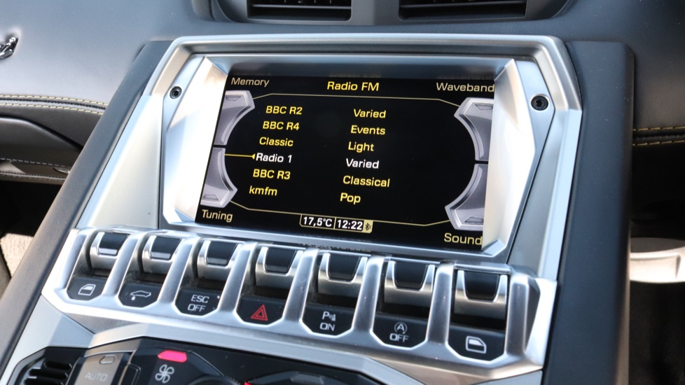 Lamborghini Aventador S Coupe LP 740-4 2dr ISR image 10