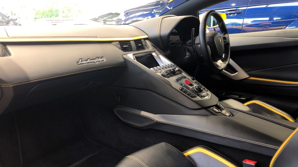 Lamborghini Aventador S Coupe LP 740-4 2dr ISR image 5