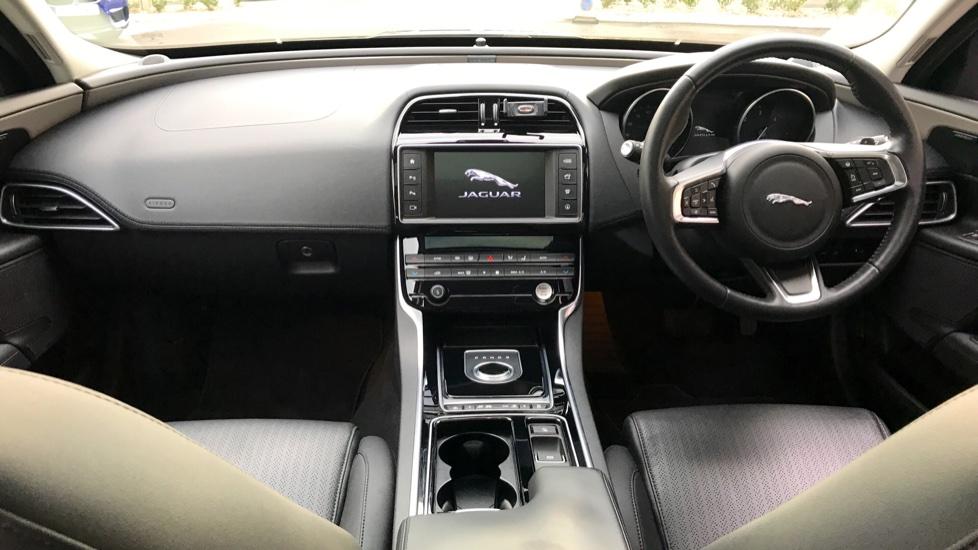 Jaguar XE 2.0d [180] Portfolio AWD image 9