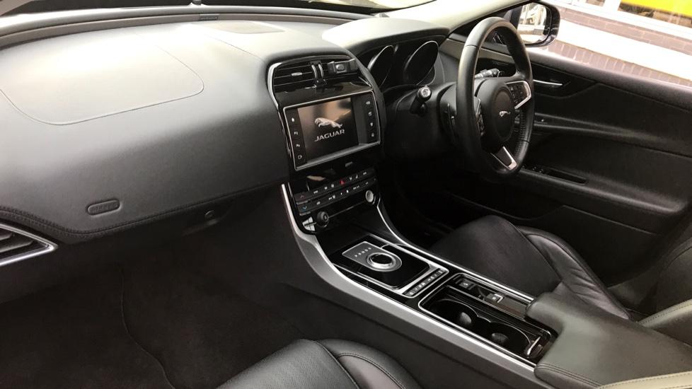 Jaguar XE 2.0d [180] Portfolio AWD image 11