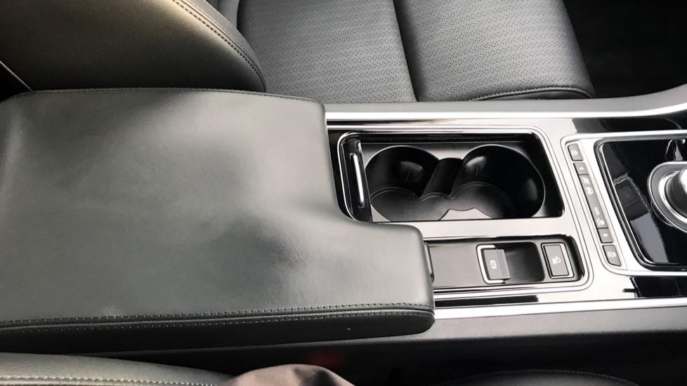 Jaguar XE 2.0d [180] Portfolio AWD image 15