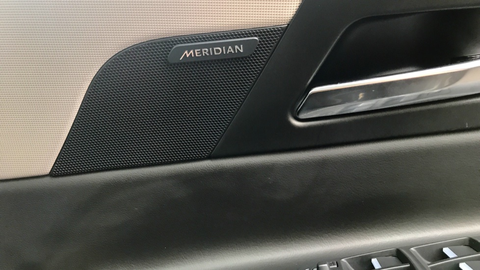 Jaguar XE 2.0d [180] Portfolio AWD image 20