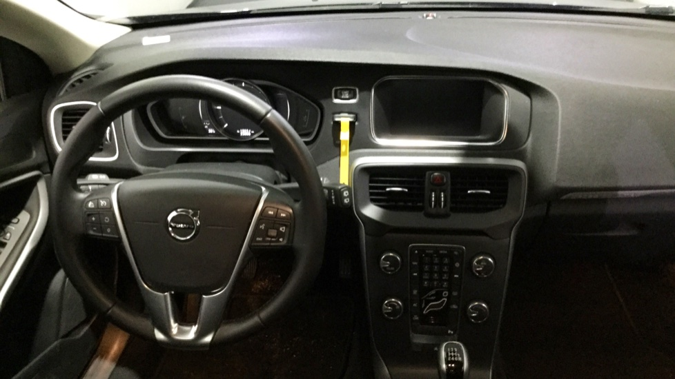 Volvo V40 CC D2 120cv Cross Country Plus Man 6 Vel.