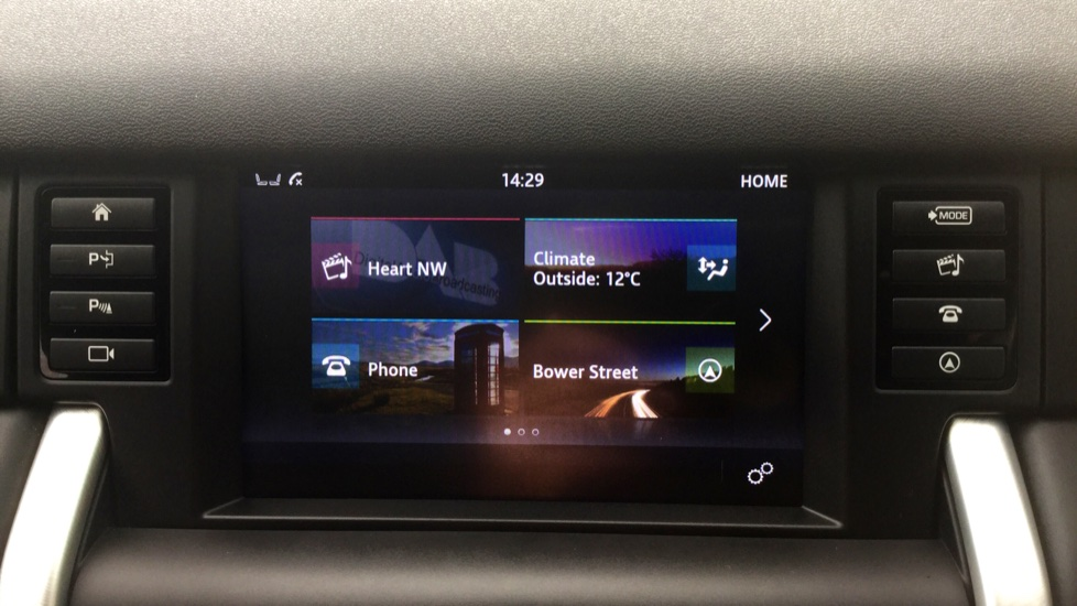 Land Rover Discovery Sport 2.0 TD4 180 HSE Luxury 5dr image 17