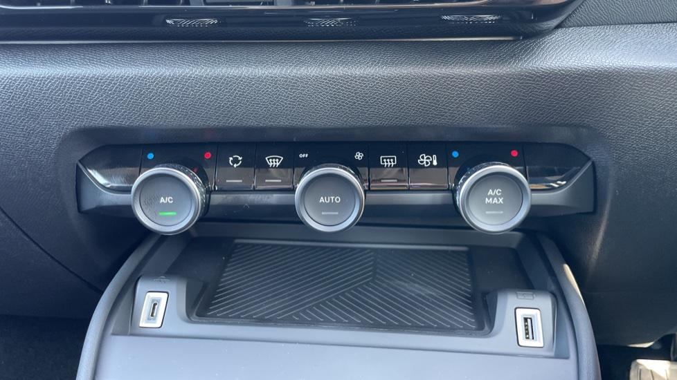 Citroen New C4 1.5 BlueHDi [130] Sense Plus 5dr Auto [Navigation][Head Up Display] image 28