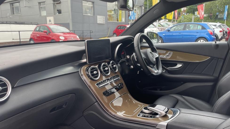 Mercedes-Benz GLC-Class GLC 250d 4Matic AMG Line [Premium Plus] 5dr 9G-Tronic [Memory Seats] image 3