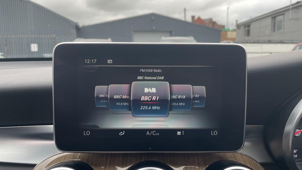 Mercedes-Benz GLC-Class GLC 250d 4Matic AMG Line [Premium Plus] 5dr 9G-Tronic [Memory Seats] image 27