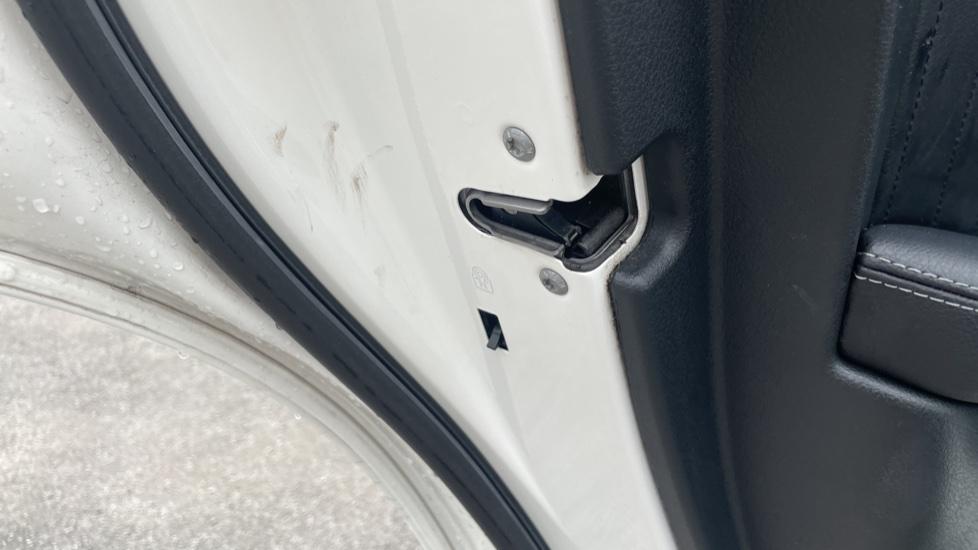 Mercedes-Benz GLC-Class GLC 250d 4Matic AMG Line [Premium Plus] 5dr 9G-Tronic [Memory Seats] image 11