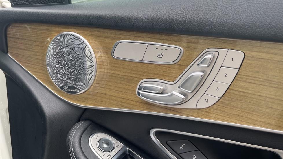 Mercedes-Benz GLC-Class GLC 250d 4Matic AMG Line [Premium Plus] 5dr 9G-Tronic [Memory Seats] image 19