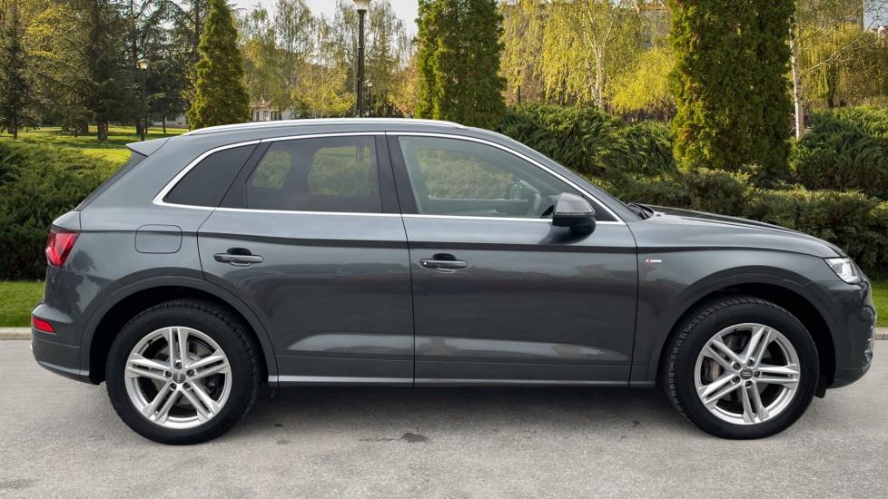Audi Q5 3.0 TDI Quattro S Line 5dr Tip [Panoramic Glass Roof][Navigation] image 5