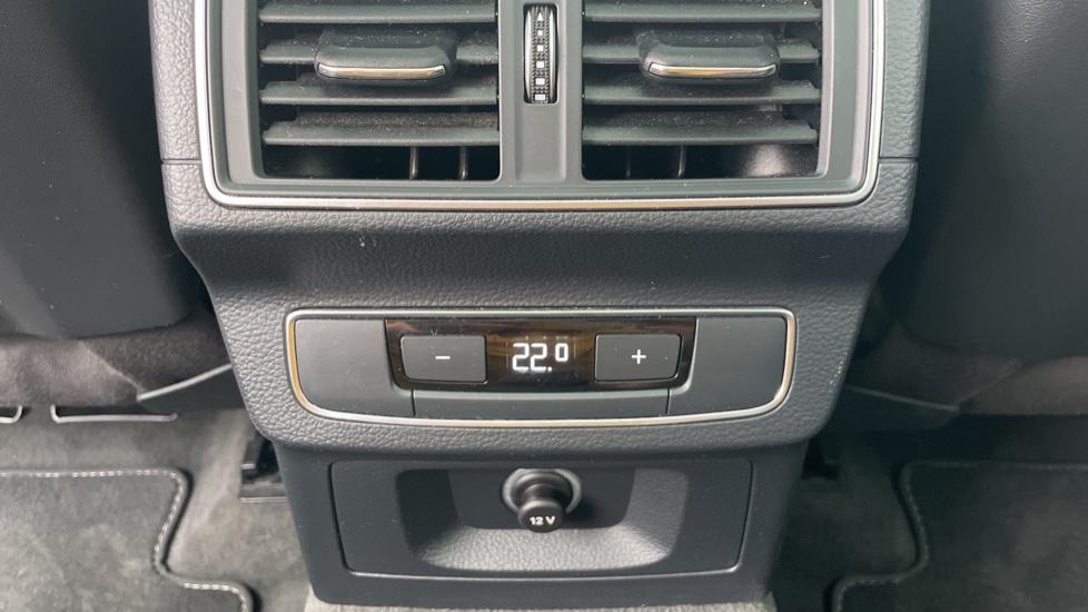 Audi Q5 3.0 TDI Quattro S Line 5dr Tip [Panoramic Glass Roof][Navigation] image 10