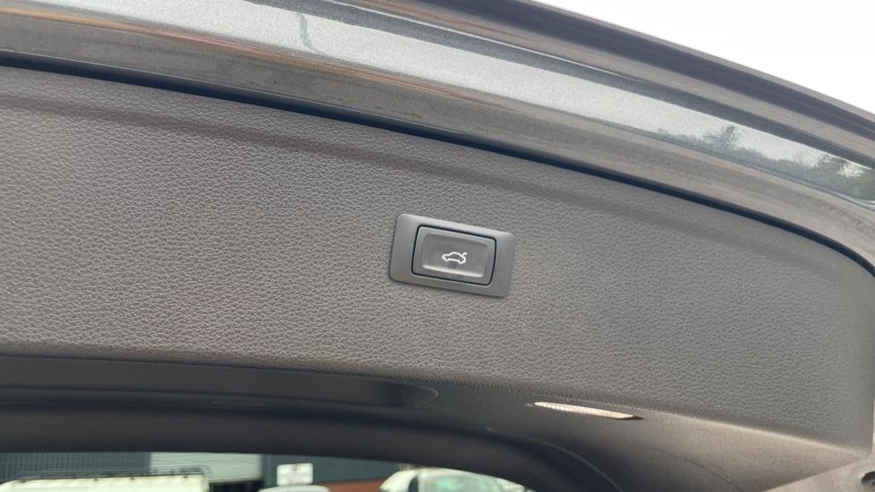 Audi Q5 3.0 TDI Quattro S Line 5dr Tip [Panoramic Glass Roof][Navigation] image 15
