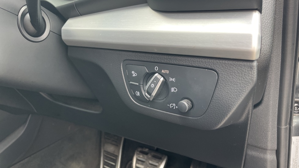 Audi Q5 3.0 TDI Quattro S Line 5dr Tip [Panoramic Glass Roof][Navigation] image 17