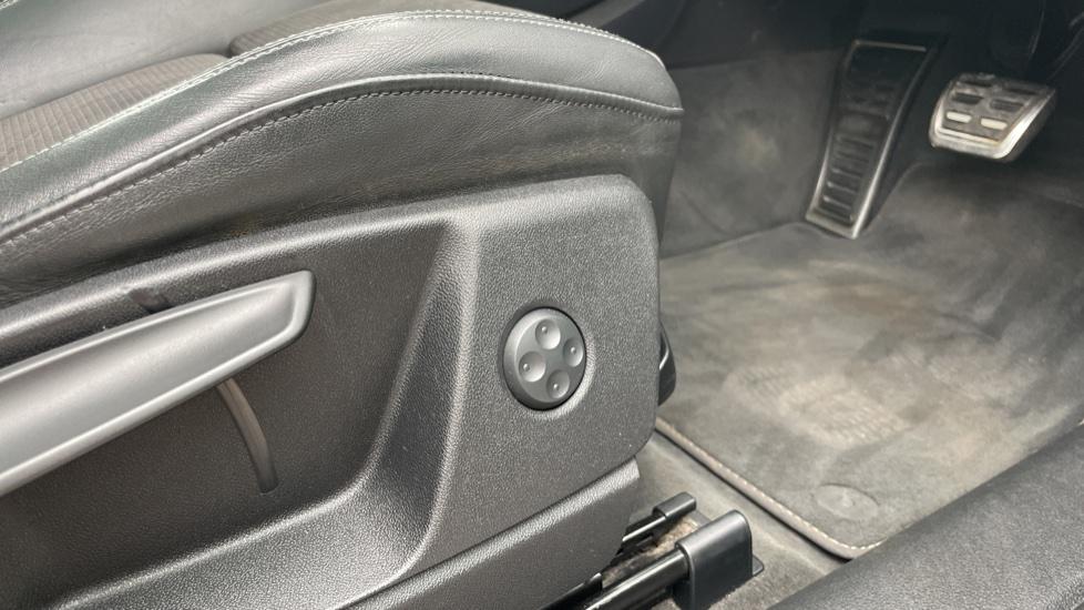 Audi Q5 3.0 TDI Quattro S Line 5dr Tip [Panoramic Glass Roof][Navigation] image 18
