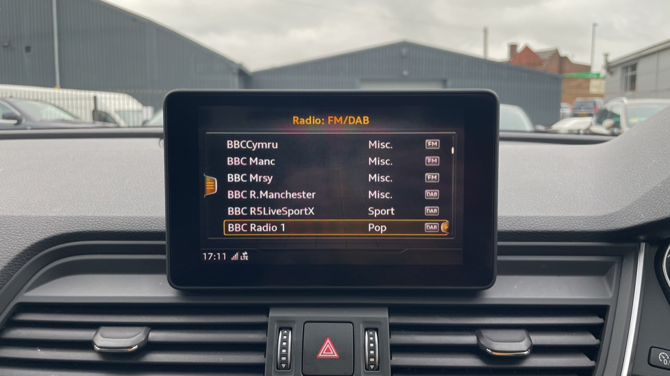 Audi Q5 3.0 TDI Quattro S Line 5dr Tip [Panoramic Glass Roof][Navigation] image 25