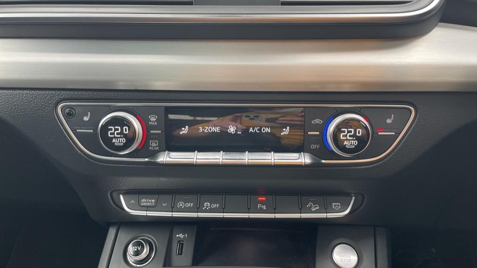 Audi Q5 3.0 TDI Quattro S Line 5dr Tip [Panoramic Glass Roof][Navigation] image 29