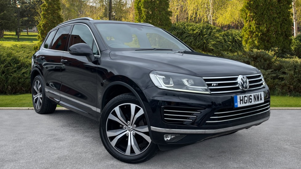 Volkswagen Touareg 3.0 V6 TDI BlueMotion Tech 262 R-Line Tip [Panoramic Roof][Heated Leather Seats] Diesel Automatic 5 door Estate (2016) image
