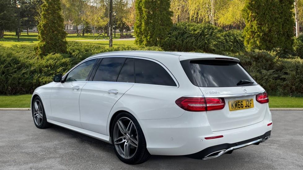 Mercedes-Benz E-Class E220d AMG Line [Premium] 5dr 9G-Tronic [Panoramic Sunroof][Rear Camera] image 2