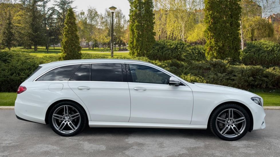 Mercedes-Benz E-Class E220d AMG Line [Premium] 5dr 9G-Tronic [Panoramic Sunroof][Rear Camera] image 5