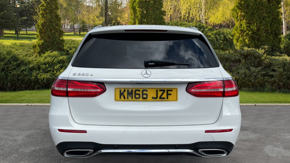 Mercedes-Benz E-Class E220d AMG Line [Premium] 5dr 9G-Tronic [Panoramic Sunroof][Rear Camera] image 6