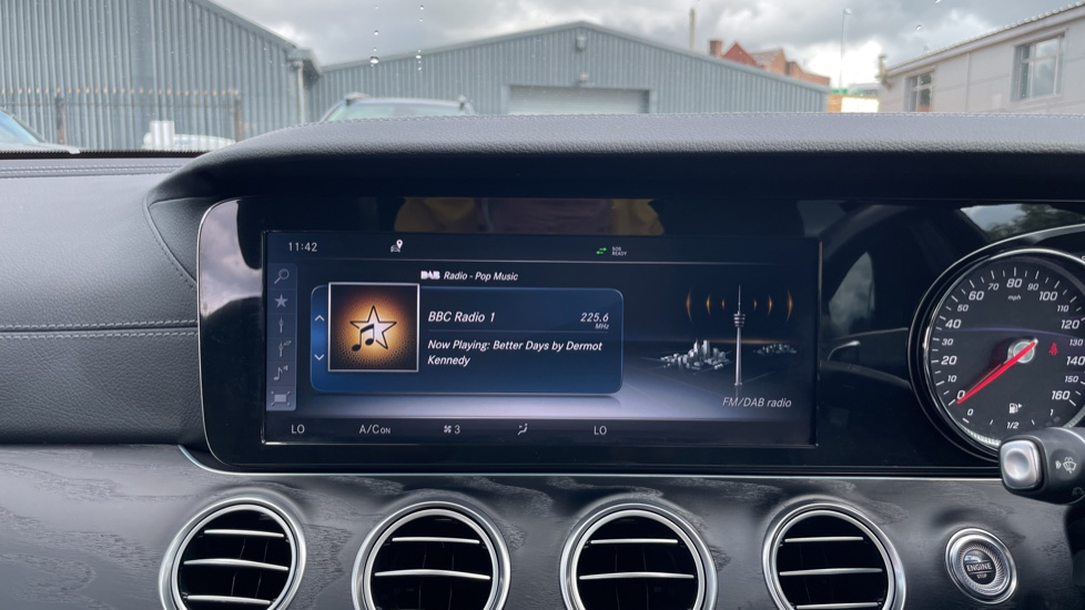 Mercedes-Benz E-Class E220d AMG Line [Premium] 5dr 9G-Tronic [Panoramic Sunroof][Rear Camera] image 26