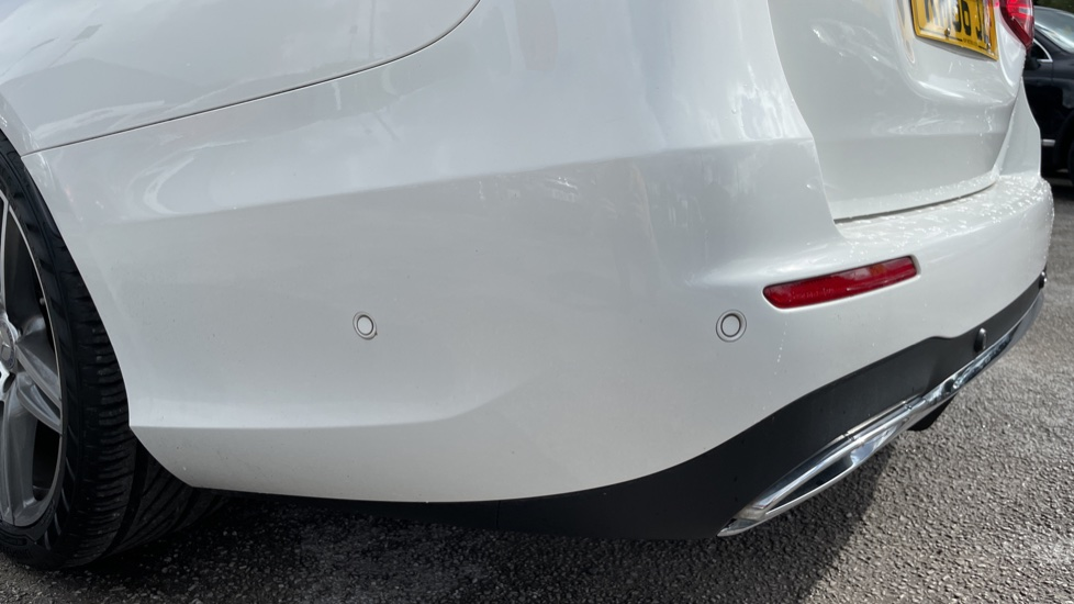 Mercedes-Benz E-Class E220d AMG Line [Premium] 5dr 9G-Tronic [Panoramic Sunroof][Rear Camera] image 11