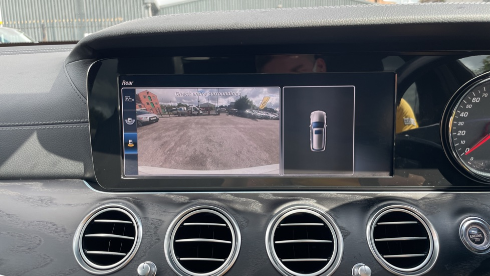 Mercedes-Benz E-Class E220d AMG Line [Premium] 5dr 9G-Tronic [Panoramic Sunroof][Rear Camera] image 13
