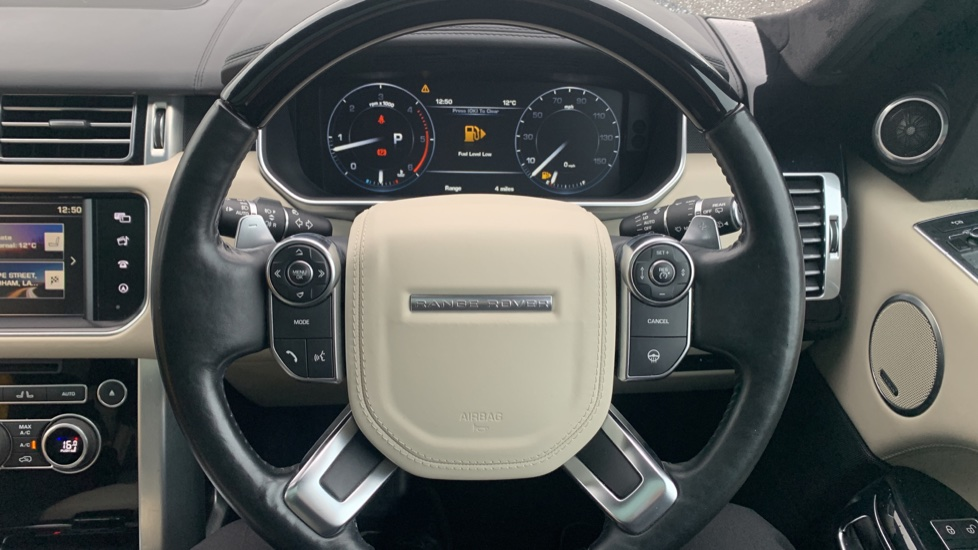Land Rover Range Rover 4.4 SDV8 Autobiography [Surround Camera System][Panoramic Sliding Roof] image 28