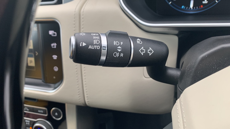 Land Rover Range Rover 4.4 SDV8 Autobiography [Surround Camera System][Panoramic Sliding Roof] image 31