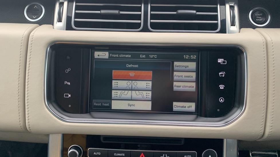 Land Rover Range Rover 4.4 SDV8 Autobiography [Surround Camera System][Panoramic Sliding Roof] image 35