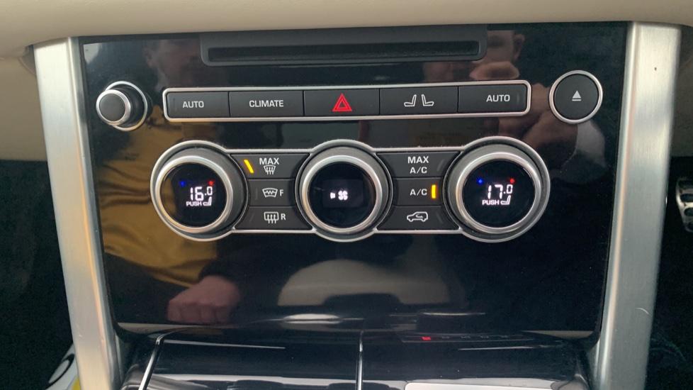 Land Rover Range Rover 4.4 SDV8 Autobiography [Surround Camera System][Panoramic Sliding Roof] image 40