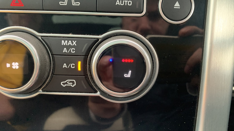 Land Rover Range Rover 4.4 SDV8 Autobiography [Surround Camera System][Panoramic Sliding Roof] image 42