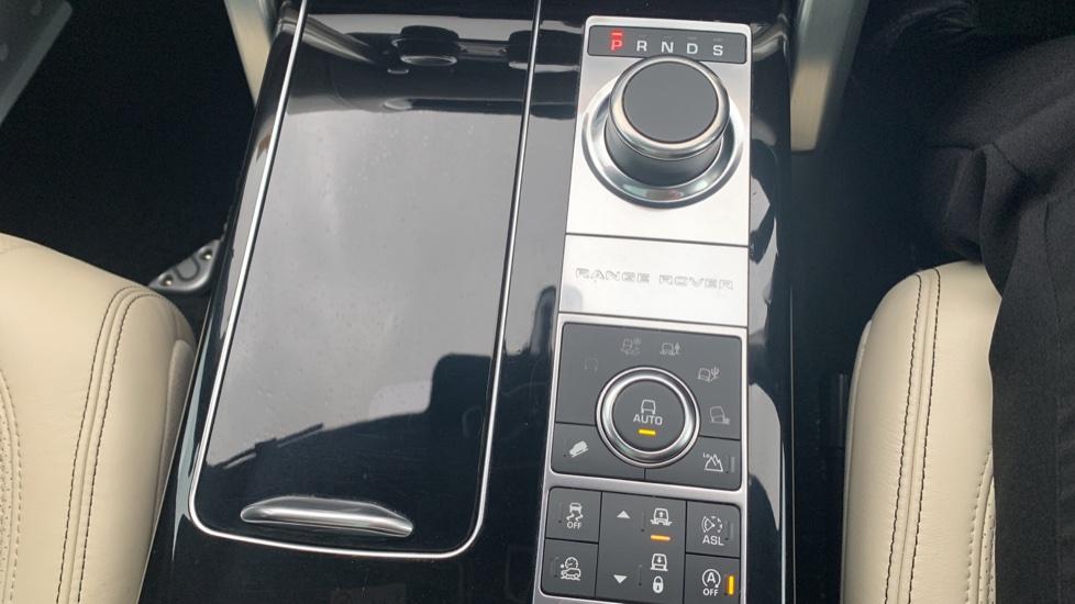Land Rover Range Rover 4.4 SDV8 Autobiography [Surround Camera System][Panoramic Sliding Roof] image 43