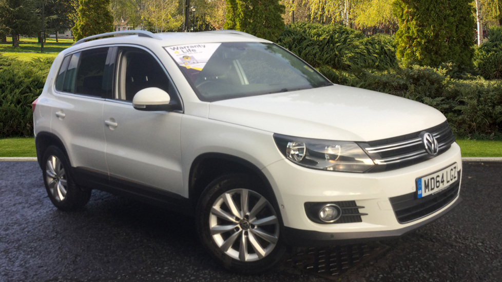 Volkswagen Tiguan 2.0 TDi BlueMotion Tech Match 5dr Diesel Estate (2014) at Oldham Motors Citroen, Fiat and Jeep thumbnail image