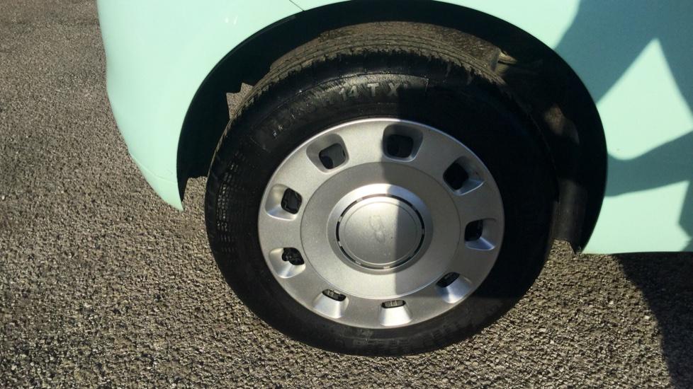 Fiat 500 1.2 Pop - LED Daytime Lights, Multifunction Steering Wheel image 11
