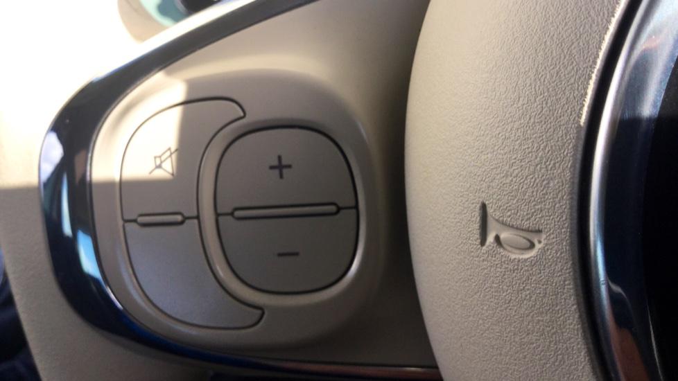 Fiat 500 1.2 Pop - LED Daytime Lights, Multifunction Steering Wheel image 14