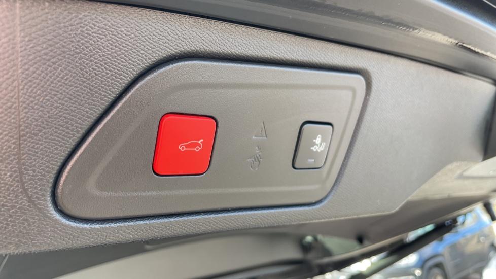 Citroen C5 Aircross SUV 1.6 Plug-in Hybrid 225 Flair Plus 5dr e-EAT8 image 15